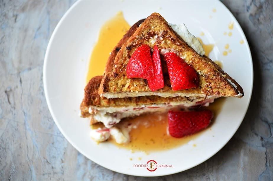 IHOP *CopyCat* French Toast with Cream Cheese & Strawberry Filling with sauce