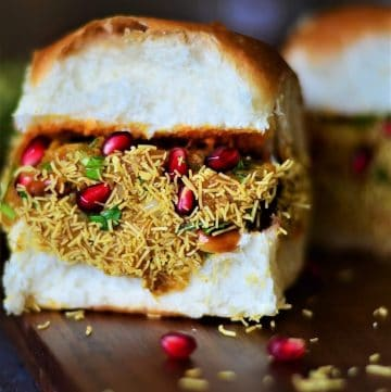 One prepared dabeli ready to eat.