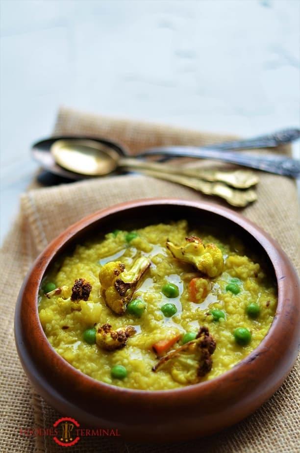 Daliya Khichdi Recipe By Foodies Terminal