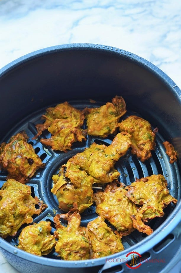 Chicken pakora in air fryer basket