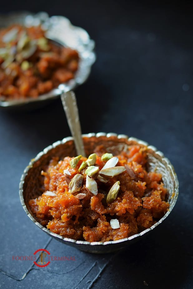 Gajar Ka Halwa served with chopped nuts