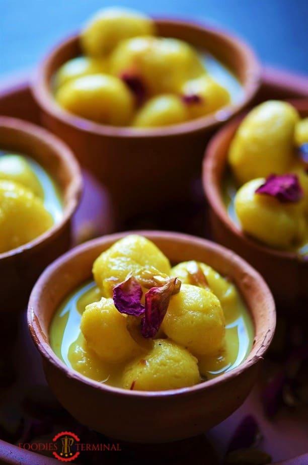 Angoori Rasmalai Recipe garnished with rose petals