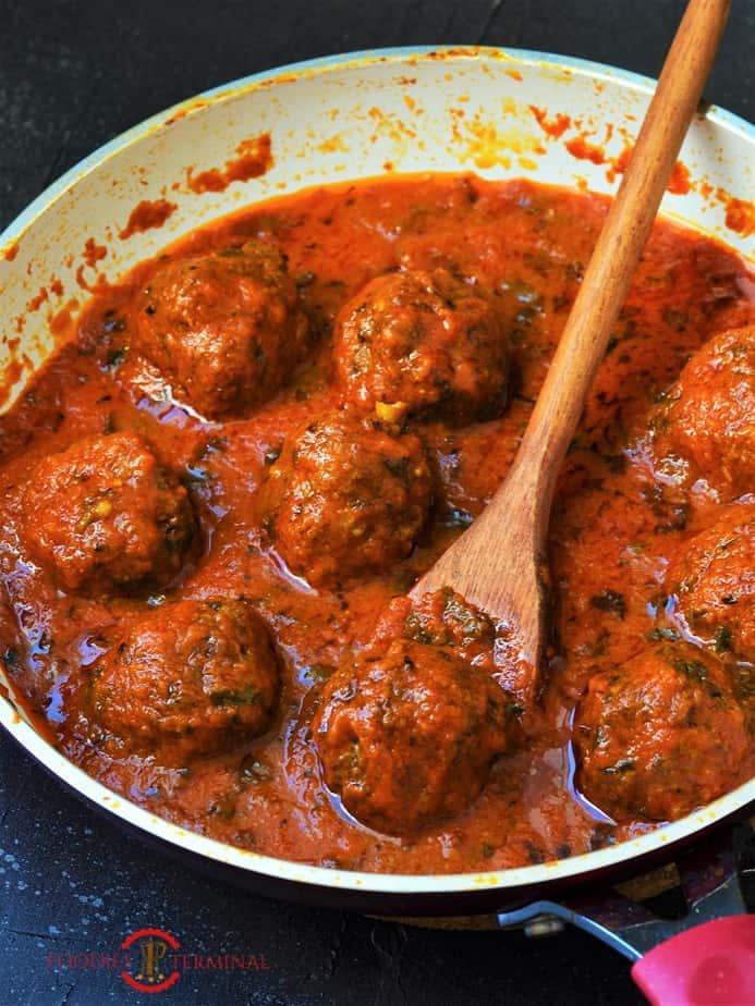 Mutton Kofta curry recipe in a red sauce