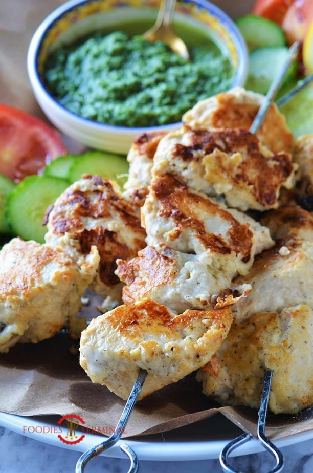 chicken reshmi kabab recipe served with cilantro chutney