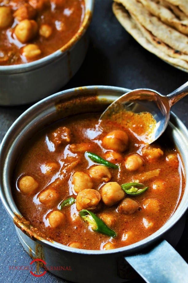 Chana masala recipe for chapathi served with chapathi