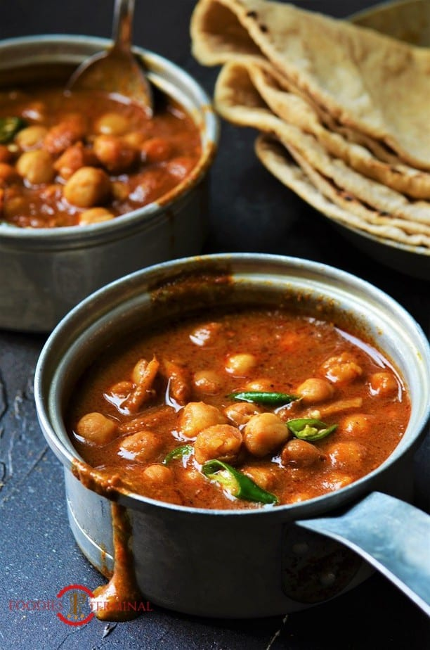 Chana Masala recipe for chapathi made with canned chickpeas in a red curry sauce