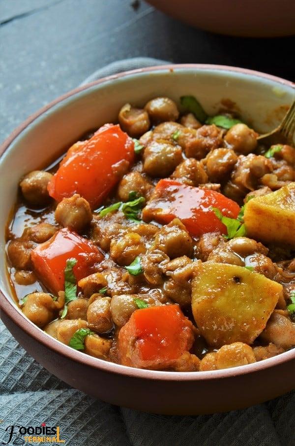 Punjabi Aloo Chole recipe with lots of tomatoes