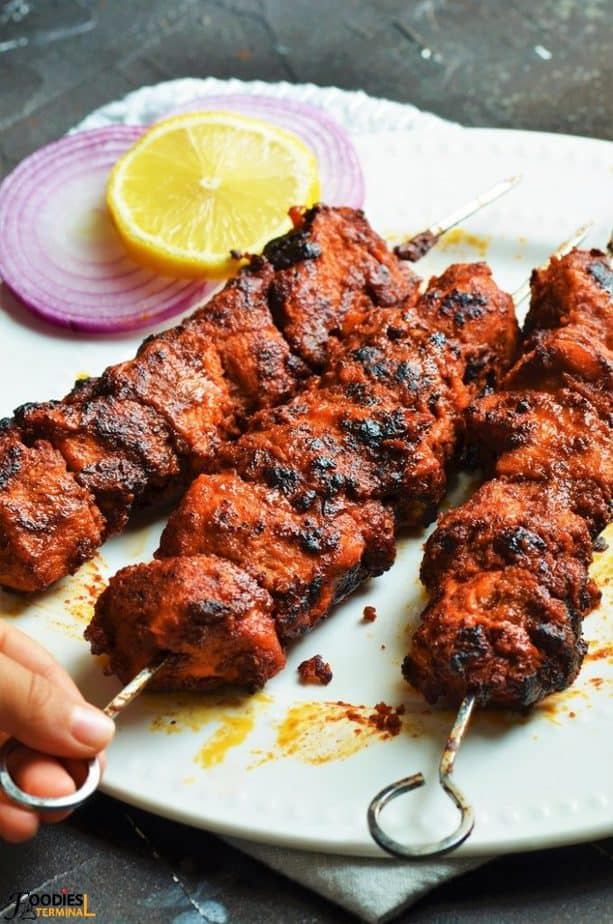 Chicken Angara Kabab served with lemon and onion