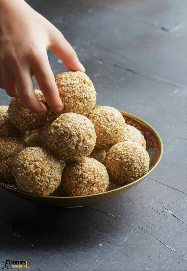 Til laddu sankranti special indian sweet in a bowl