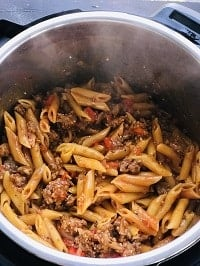 pressure cooked penne pasta and sausage in instant pot